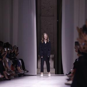 Η Clare Waight Keller αποχωρεί από τον οίκο Givenchy