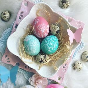 5 εύκολες τεχνικές για να βάψεις με δημιουργικό τρόπο τα πασχαλινά αυγά σου (video)
