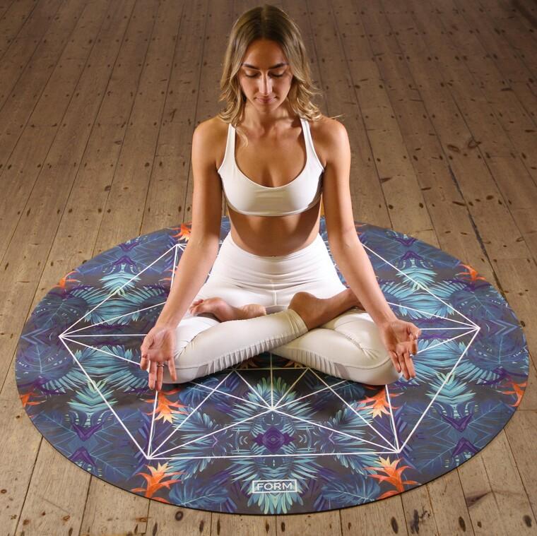 Πώς θα δημιουργήσεις ένα δωμάτιο για yoga ή διαλογισμό στο σπίτι