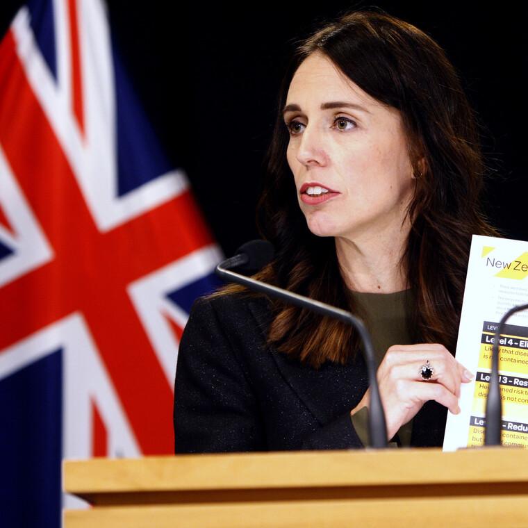 Πώς η Πρωθυπουργός της Νέας Ζηλανδίας κατάφερε το ακατόρθωτο στην πανδημία του κορονοϊού