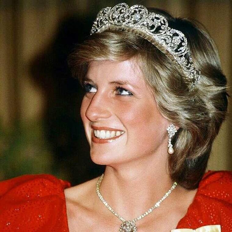 Αυτός είναι ο λόγος που η πριγκίπισσα Νταϊάνα σταμάτησε να φορά μπλε μολύβι ματιών