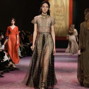 Women@Dior: το πρόγραμμα που επεκτείνεται σε διαδικτυακή πλατφόρμα εκμάθησης