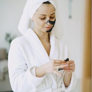 Μάθε ποιες είναι οι συνήθειες που φράζουν τους πόρους του δέρματός σου