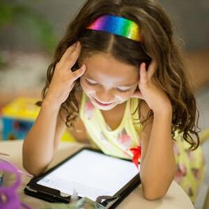 Κορονοϊός:τι έδειξανοι έρευνες για την ενασχόληση των παιδιών με τους υπολογιστές