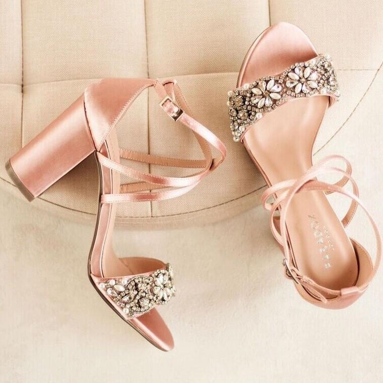 Block heels: το απόλυτο trend στα παπούτσια για αυτή τη σεζόν