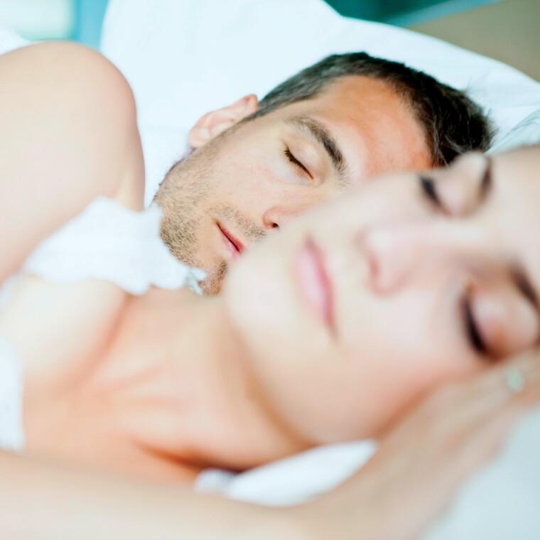 Κοιμάσαι με τον σύντροφό σου στο ίδιο κρεβάτι;Τα όνειρά σας συγχρονίζονται!