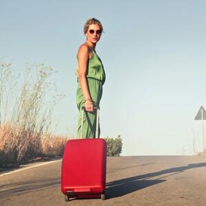 10+2 items που δεν πρέπει να λείπουν από την βαλίτσα των φετινών σου διακοπών