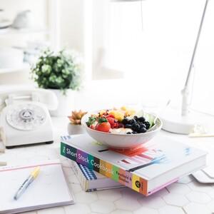 Όλα όσα πρέπει να τρως αν θέλεις να είσαι παραγωγική στην δουλειά σου