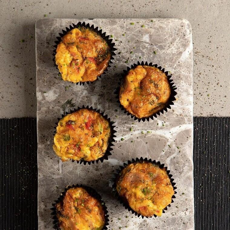 Άκης Πετρετζίκης: Muffins ομελέτας