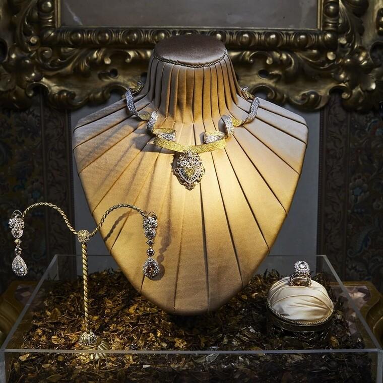 Dolce & Gabbana: Η καρδιά των πολυτελών κοσμημάτων χτυπά στη Φλωρεντία