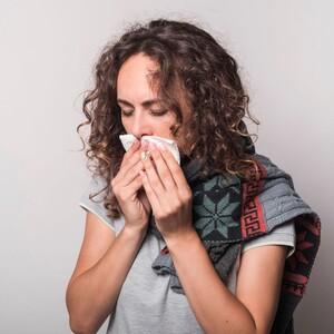 Το κοινό κρυολόγημα αποτελεί σύμμαχο κατά της γρίπης