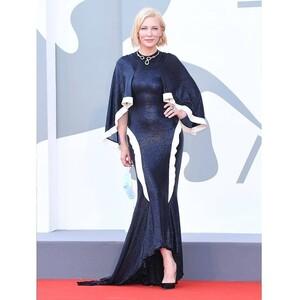 Γιατί η Cate Blanchett ξαναφόρεσε ένα παλιότερο φόρεμά της στο Φεστιβάλ Καννών