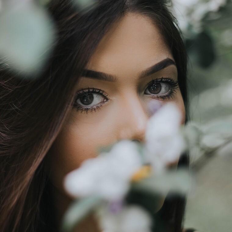 4 συνήθειες που πρέπει να υιοθετήσεις για όμορφο, νεανικό δέρμα
