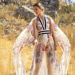 10 glamorous φορέματα από την SS21 συλλογή του Elie Saab