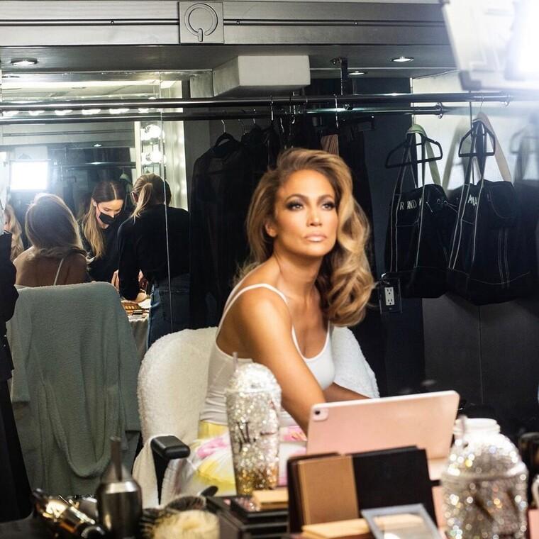 Η μακιγιέρ της J.Lo αποκαλύπτει όλα τα προϊόντα που χρησιμοποιεί η star