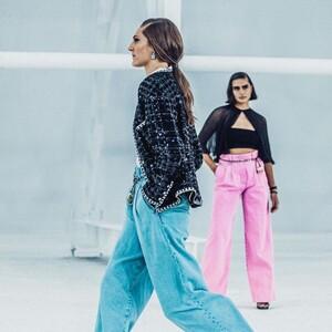 Τα baggy παντελόνια είναι η απόλυτη πρόταση των μεγάλων οίκων γι' αυτή τη σεζόν