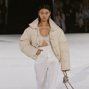 Το puffer jacket είναι το must-have πανωφόρι αυτής της σεζόν
