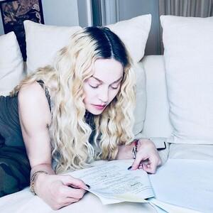 Η Madonna έκανε την απόλυτη έκπληξη με το ανανεωμένο hair look της