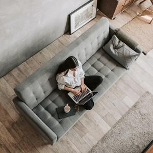 Πώς μπορείς να είσαι περιζήτητη επαγγελματίας ακόμη κι αν εργάζεσαι από το σπίτι