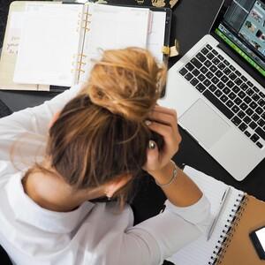 Νιώθεις στρεσαρισμένη; Δες πώς θα αποφορτιστείς ανάλογα με τα συμπτώματά σου