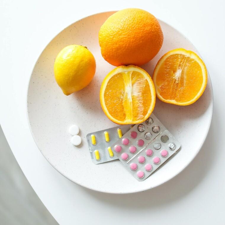 Οι κίνδυνοι που ανακύπτουν όταν λαμβάνεις περισσότερη βιταμίνη D απ' όση χρειάζεσαι