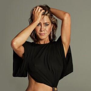 6 βήματα για να κάνεις το facial massage που αγαπά η Jennifer Aniston