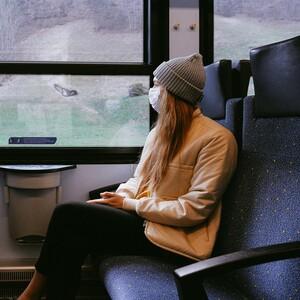Δωρεάν ταξίδια με τρένο σε γυναίκες και παιδιά θύματα ενδοοικογενειακής βίας