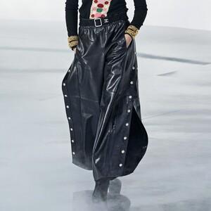 Western Style: Τα παντελόνια που συνδέουν τον δυναμισμό με τη θηλυκότητα