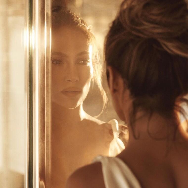 Η JLo αποκάλυψε τα μυστικά ομορφιάς της για υπέροχο και ενυδατωμένο δέρμα