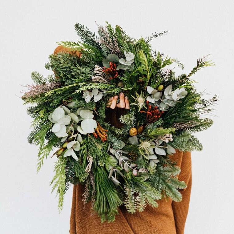 Πώς θα φτιάξεις το πιο όμορφο χριστουγεννιάτικο στεφάνι