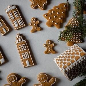 Δώσε σχήμα στα μπισκότα σου με εργαλεία που έχεις ήδη στην κουζίνα σου