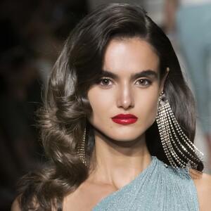 4 tips για να δώσεις όγκο στα μαλλιά σου με… μηδαμινή προσπάθεια