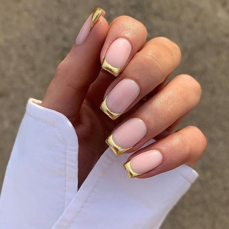 20 glamorous nail art για να λάμψεις στο ρεβεγιόν της Πρωτοχρονιάς