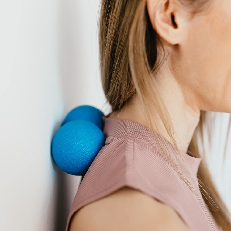 Κινήσεις λεμφικού μασάζ για να ξεκουράσεις αμέσως τους μύες του κεφαλιού σου