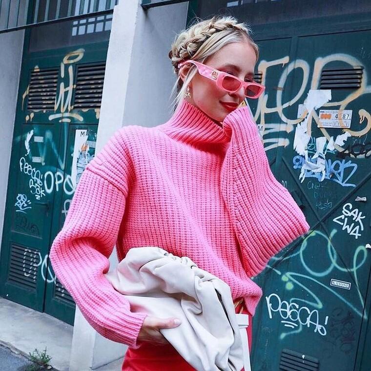10 ροζ πουλόβερ που θα απογειώσουν κάθε ντύσιμό σου αυτή τη σεζόν